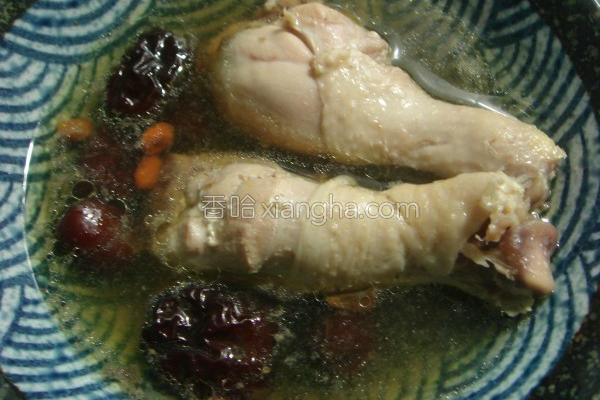 红枣枸杞炖鸡汤的做法