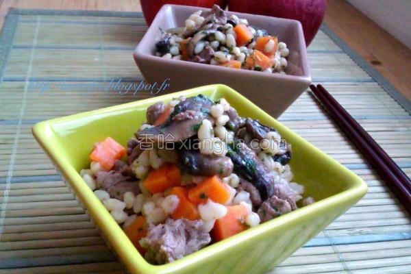 洋菇牛肉薏仁饭的做法