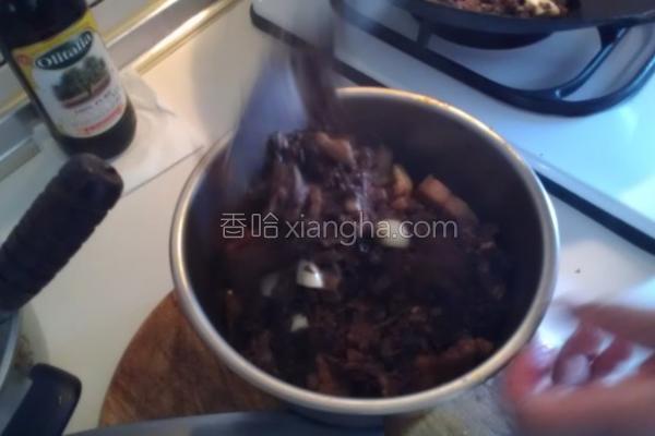梅干卤肉的做法