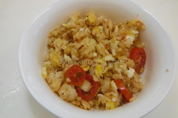 蒜香番茄蛋炒饭的做法