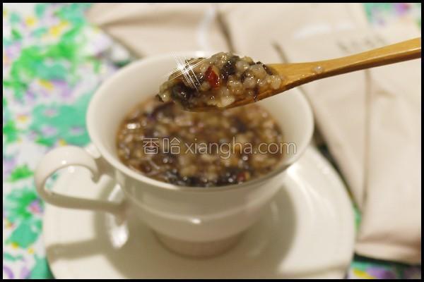 桂圆木耳粥的做法