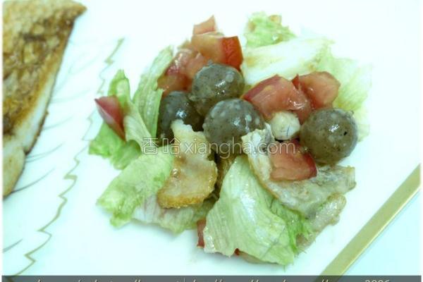 黑Q鲈鱼莴苣沙拉的做法