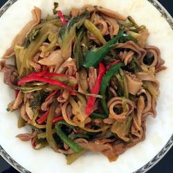 双椒酸菜炒猪肚的做法[图]