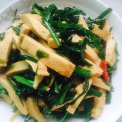 韭菜炒白干