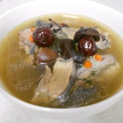 香菇乌鸡汤的做法[图]