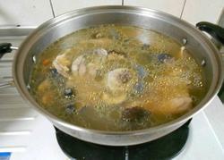 香菇乌鸡汤的做法图解4