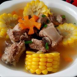 玉米排骨汤的做法[图]