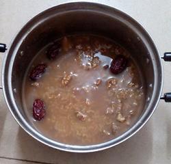 核桃红枣粥的做法图解4
