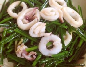 鲜鱿炒韭苔