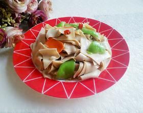 青椒炒豆皮