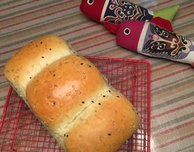 面包机版黑芝麻牛奶吐司