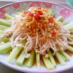 凉拌金针黄瓜的做法[图]