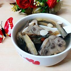 菜干南北杏煲猪肺汤的做法[图]