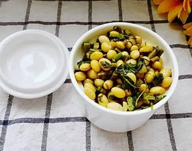 嫩芽香椿拌黄豆[图]