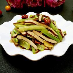 芹菜炒香干的做法[图]