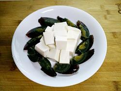 皮蛋拌豆腐的做法�D解5