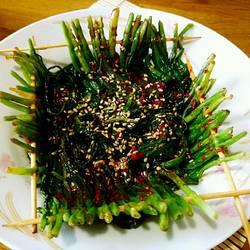 煎韭菜串(烧烤风味)的做法[图]