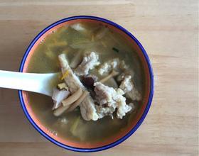 黄花菜香菇肉片汤
