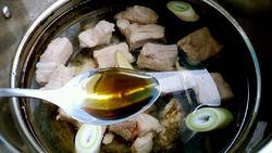 海带枸杞排骨汤的做法图解5
