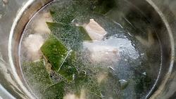 海带枸杞排骨汤的做法图解6