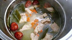 海带枸杞排骨汤的做法图解8