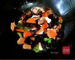 酸菜鸡片通化长春香菇锅图片