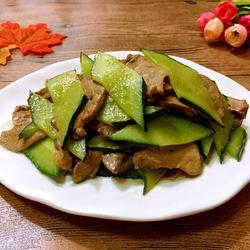 黄瓜炒猪肝的做法[图]
