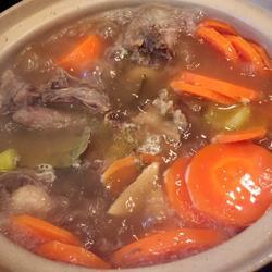 胡萝卜牛尾汤的做法[图]