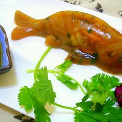 鲤鱼猪皮冻的做法[图]
