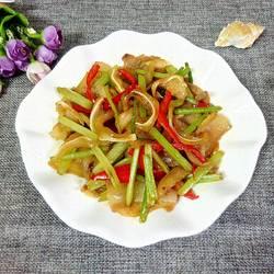 芹菜炒猪耳朵的做法[图]