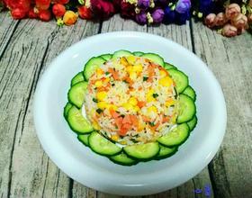 蔬菜粒炒饭