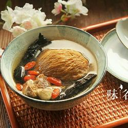 灵芝猴头菇枸杞汤的做法[图]