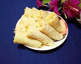 鸡蛋薄饼卷土豆丝
