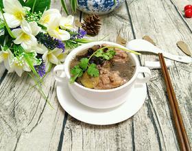 生地黑豆排骨汤