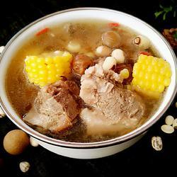 桂圆莲子玉米猪骨汤的做法[图]