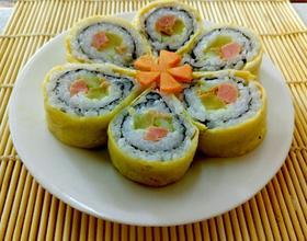 蛋皮樱花寿司卷