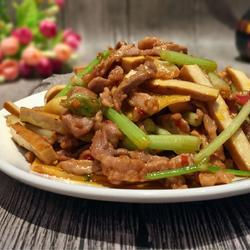 芹菜豆干炒肉的做法[图]