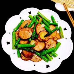 哈尔滨红肠煸芦笋