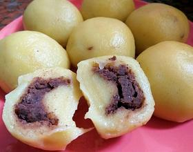 东北粘豆包,不发酵,糯米粉和玉米粉3:1比例做的,还挺黏的,味道不错呢!😁😍[图]