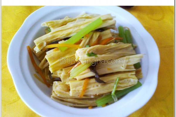 香芹拌腐竹的做法
