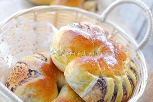 花式豆沙面包的做法