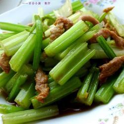 酱炒芹菜肉丝的做法[图]