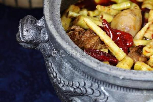 川式笋子牛腩煲的做法