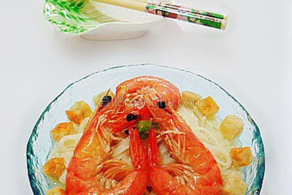 豆腐粒鲜虾汤面的做法