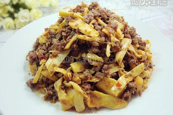 酸笋炒牛肉的做法
