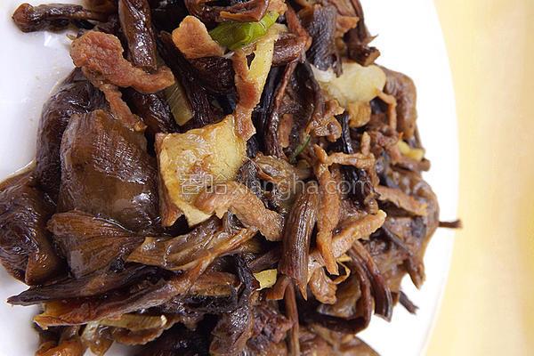 榛蘑肉丝的做法