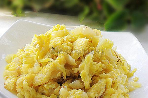 白菜叶炒鸡蛋的做法