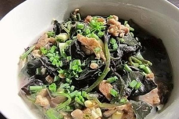 肉丝上汤紫背菜的做法