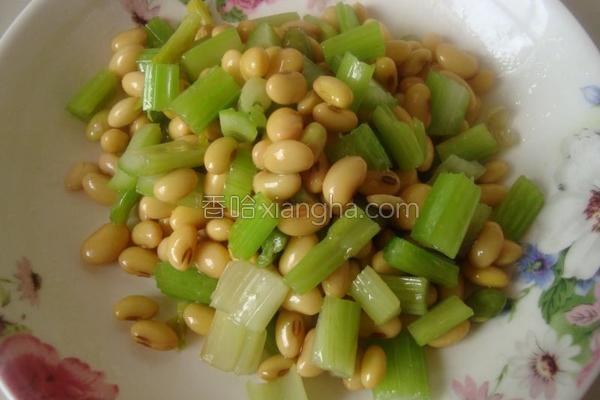 炝黄豆芹菜的做法