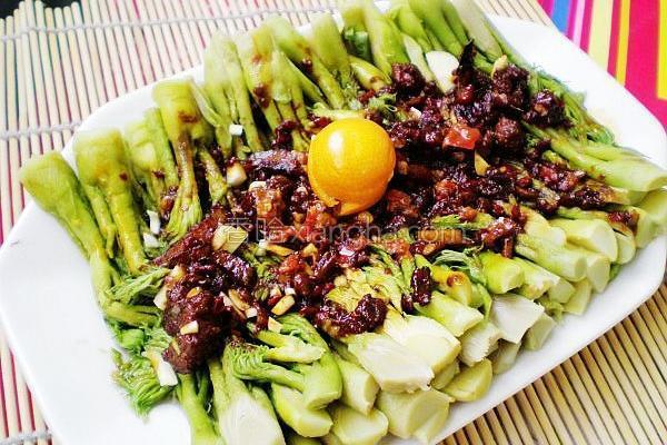 红油拌山野菜的做法